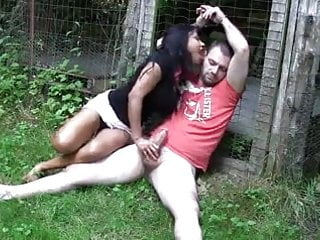 Uk indian babe gives outdoor footjobhd