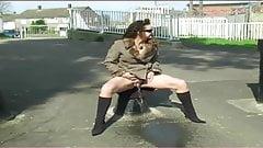 Desperate Women. Pee bursting