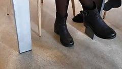 les coquines sous la table