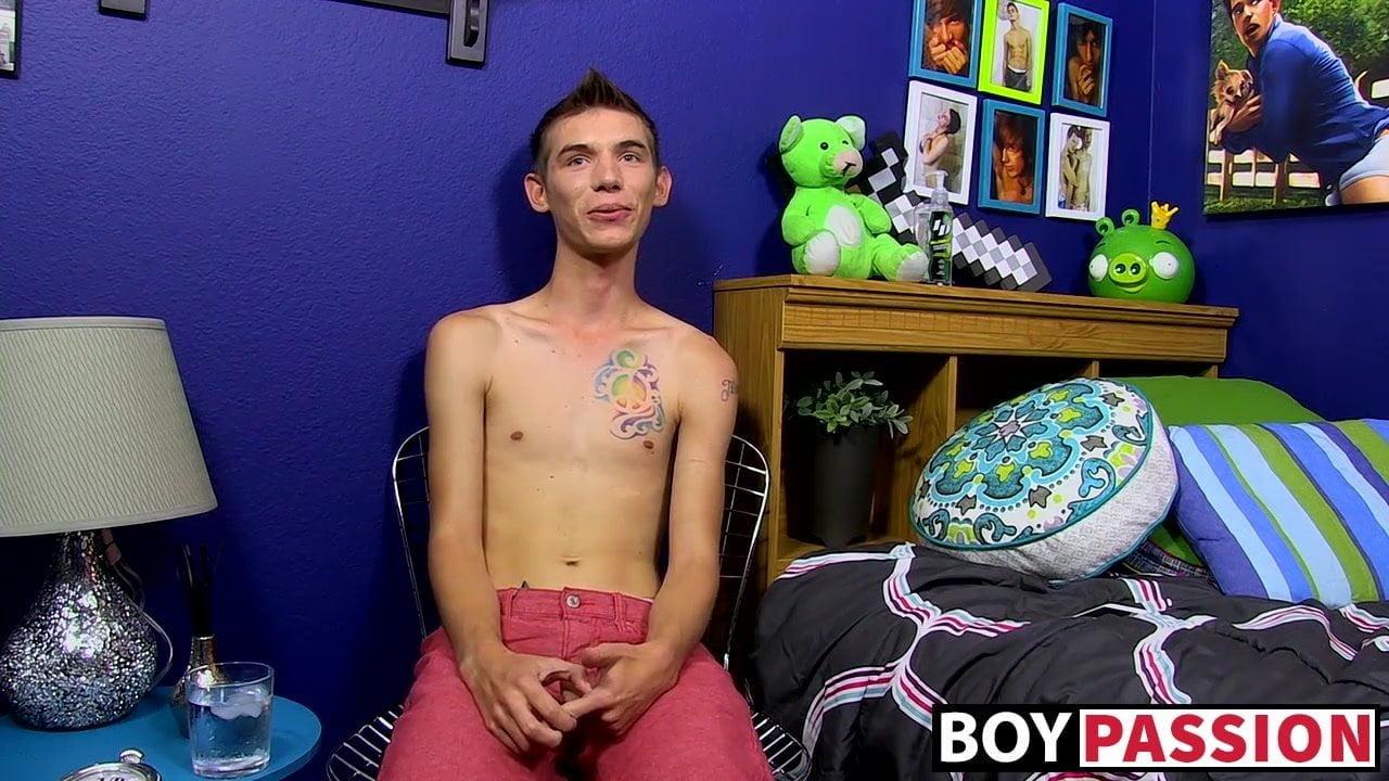 Skinny homosexual Bentley Ryan interviewed and jerking off to cum