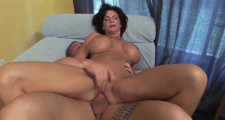 Lesbians plaing with pussy