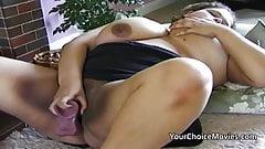 Big dark skinned bbw with sex toy