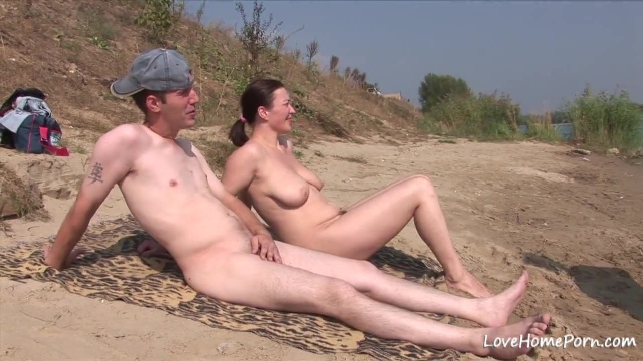 Free download & watch doggy style for a chick on a beach mp          porn movies