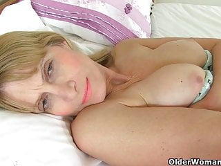 British milfs Ila Jane and Penny Brooks strip off and play