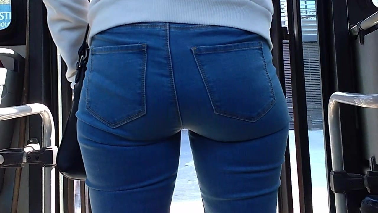 Tight Bubble Butt ArgentinianTeen on the Bus