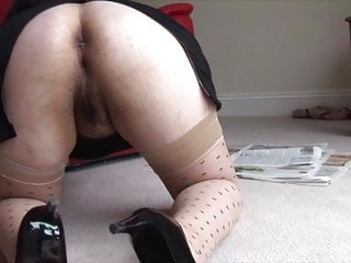 Busty mature Tanya wants to show you her big hairy pussy