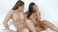 Lesbians Sybil and Alyssia Kent in Guitar play by SapphiX