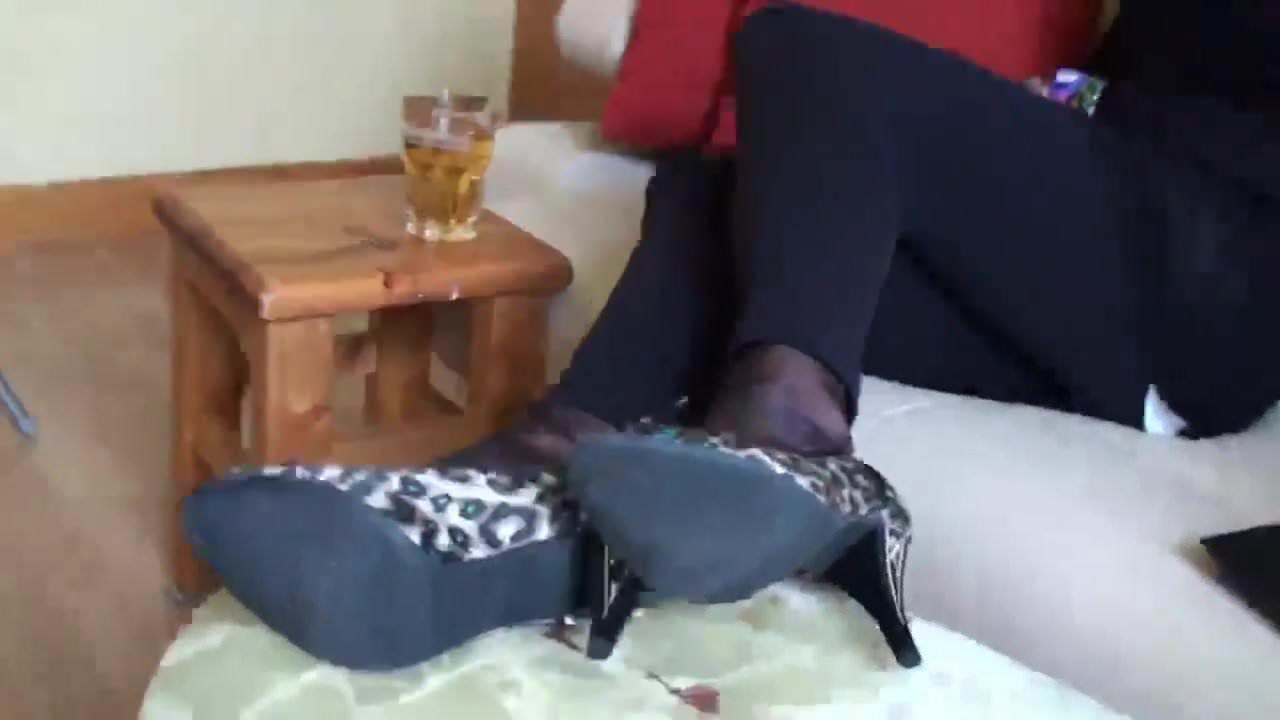 Nylon feet and computer
