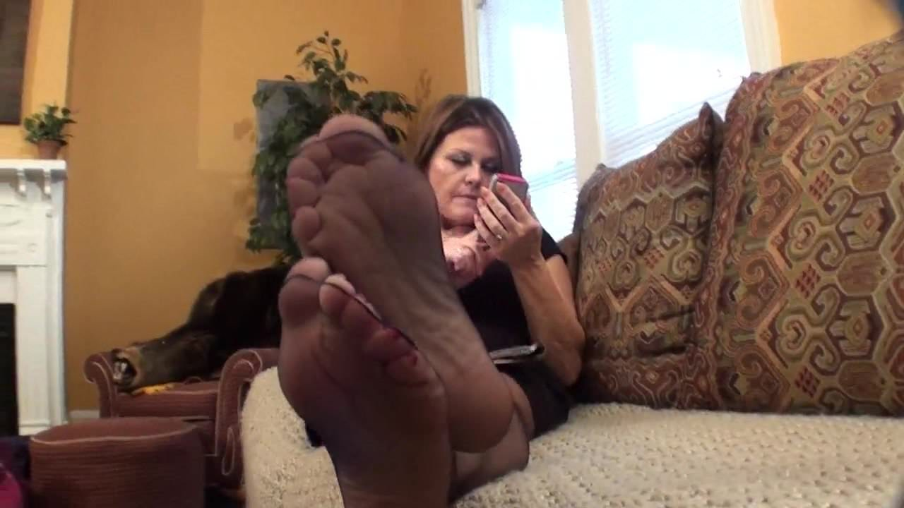 Mistress Feet Nylon Lick