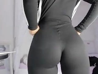 Download video bokep Perfect ass in black yoga pants and squirt . Part 2 Mp4 terbaru
