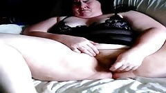 Listen to the wet noises this BBW makes