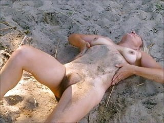 Mature encounters - Naked encounter at empty beach