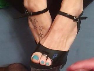 Sexy Blue toenails in Black highheels