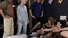 Reife Damen Junge Menner 2004