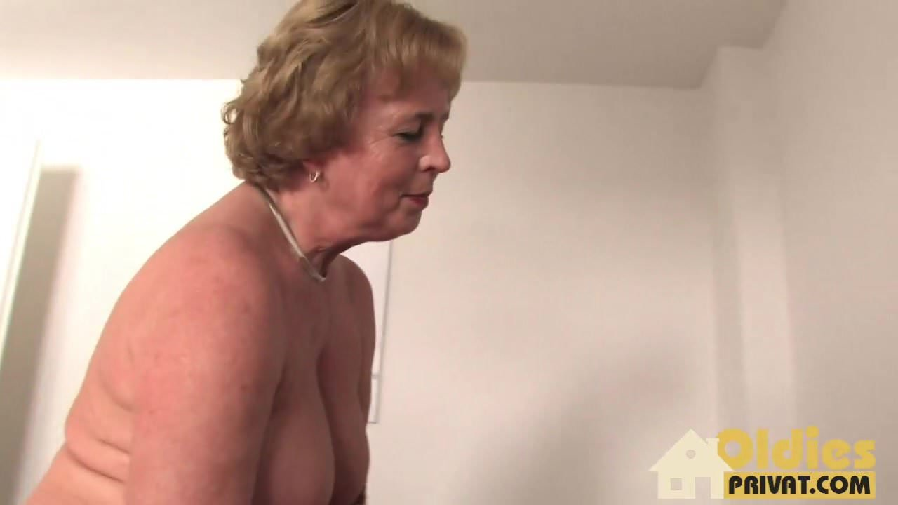 Showing Porn Images For Lesbian Oldies Privat Porn  Www -3670