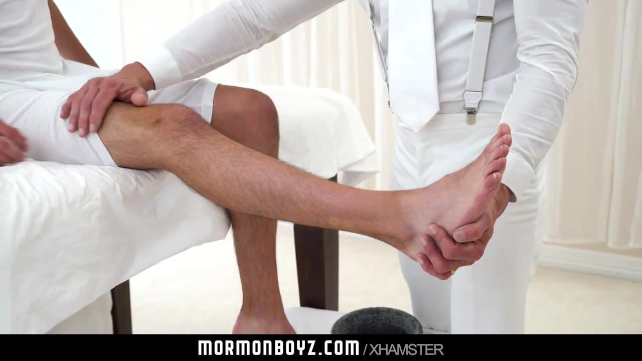 MormonBoyz – Man Will get Barebacked by Muscle Daddy