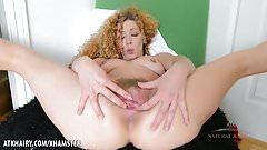 Leona finger bangs her mature bush