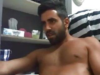 Bearded guy cumming hard