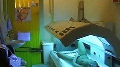 Girl fingering pussy in solarium(Germany,spy cam)