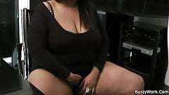 Ebony plumper spreads legs for job