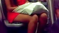 Sexy arabe dans le tram