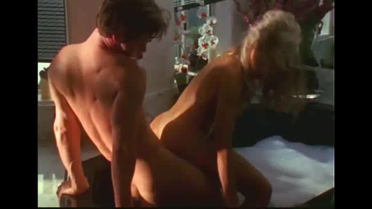 Shaw naked alonna