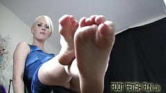 Put your tongue between my tiny toes