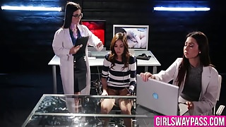 Three chicks research their wet cunts