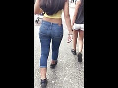 GREAT ASS ON TEEN TIGHT JEANS