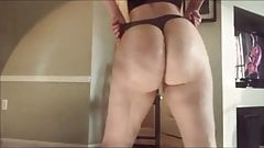 Funk Your Junk - huge ass amateur PAWGS twerking cumpilation's Thumb