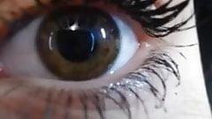 Pretty Eyes's Thumb