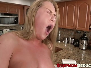 Teen caught her stepmom sucking her boyfriends long dick