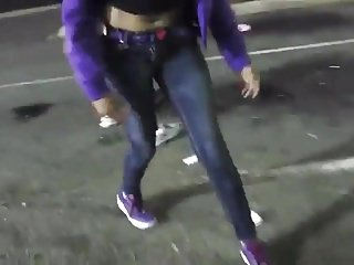Chocolate babe pees in front of her friends at parking