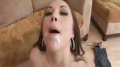 Z44B 1259 Teen swallows a lot