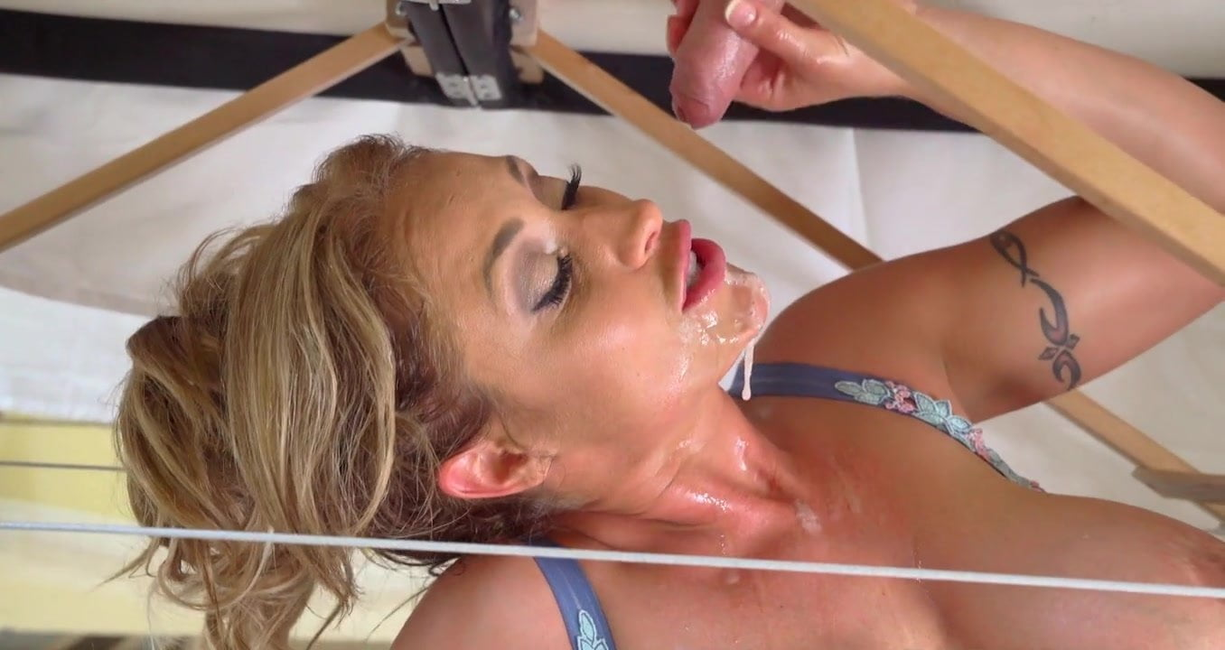 under-the-table-sex-video-bagogan-sex