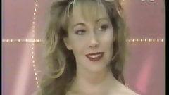 Christine strip-tease