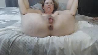 Moms masturbating