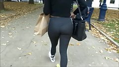 Candid big ass in walking in tight leggings