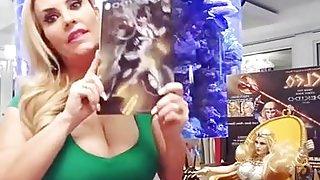 Nicole Coco Austin Huge tits
