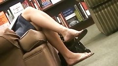 Candid MILF Feet & Legs Shoeplay Dangle Flip-Flops