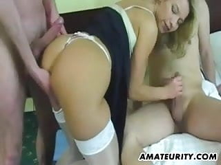 Amateur girlfriend homemade threesome with facial