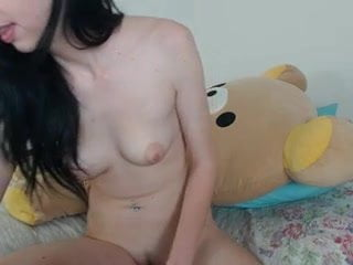 SNAPCHAT-lilycute69 Strip Teases and baths on CAM
