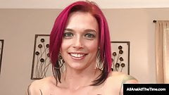 Short Haired Anna Bell Peaks Spreads Ass Cheeks For RimJob!