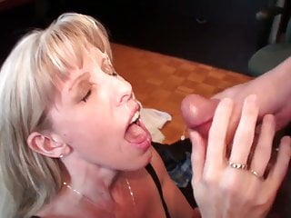 Carol Cox Fun Fan Facial