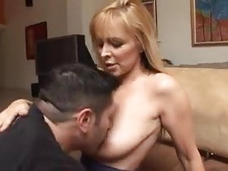 Mom and young lovers porn - Mom and young boy