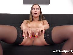 Wetandpuffy - Naomi Bennet teases her wet juicy pussy