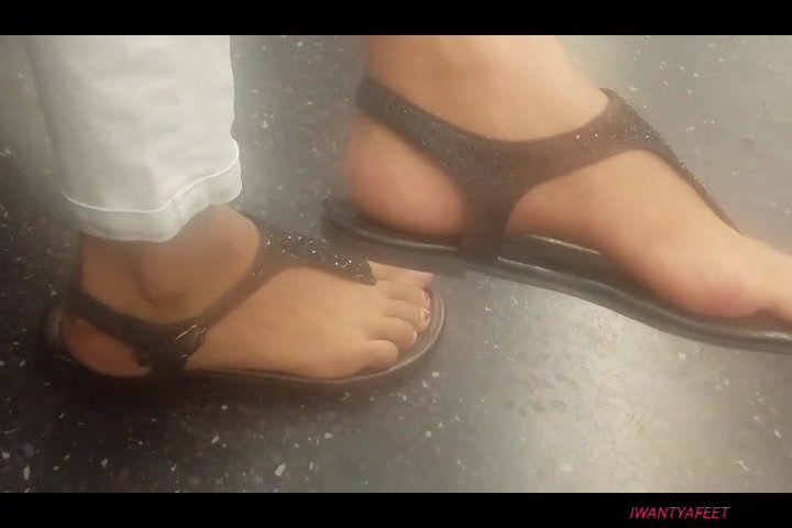 Candid mexican chick feet free mexican porn video
