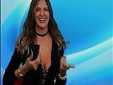 TETTONA STREPITOSA..le fa ballare!!!!