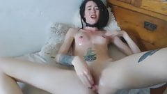 skinny camslut brutal choking and deep fisting