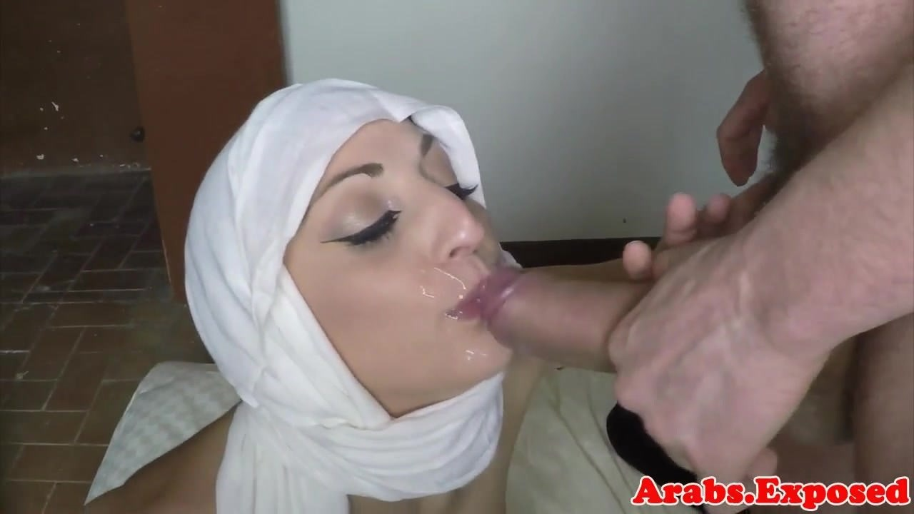 hijab wearing amateur lured into sex for cash: free porn 21